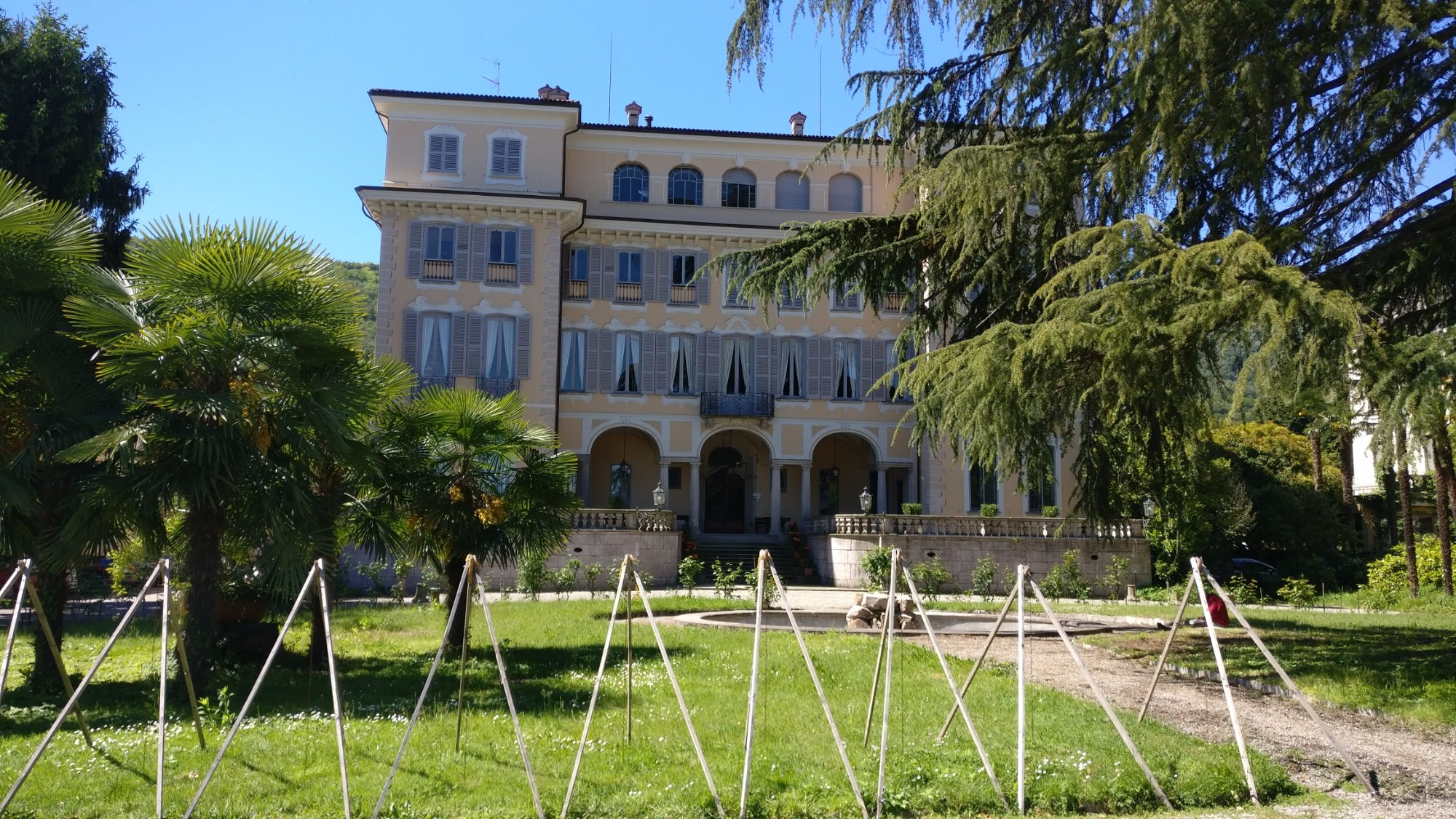 front-view-of-the-villa